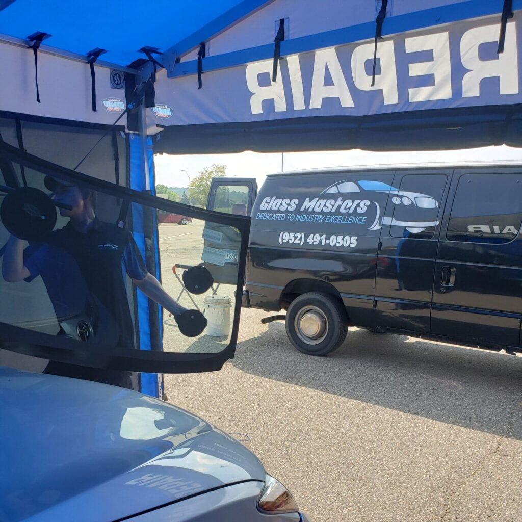 Glass Masters, Windshield Replacement, Back windshield Replacement, auto glass replacement